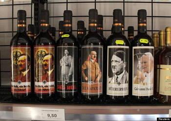 Toca Comer.   En Itallia venden botellas de vino con la imagen de Hitler. Marisol Collazos Soto, Rafael Barzanallana