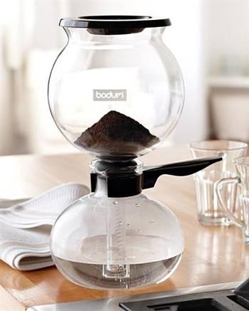Toca Comer.   Cafetera vintage de Bidum. Marisol Collazos Soto, Rafael Barzanallana