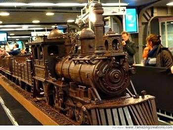 Toca Comer.   Reproducción de antiguo tren en chocolate. Marisol Collazos Soto, Rafael Barzanallana