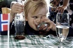 Toca Comer. Refrescos y obesidad ¿Incompetencia periodística o publirreportaje disfrazado de estudio científico? ». Marisol Collazos Soto, Rafael Barzanallana
