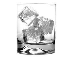 Toca Comer.El hielo de algunos restaurantes contiene más bacterias que el agua de los retretes . Marisol Collazos Soto, Rafael Barzanallana