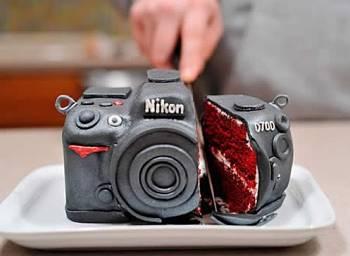 Toca Comer. Cámara fotográfica Nikon de dulce. Marisol Collazos Soto, Rafael Barzanallana