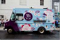 Toca Comer. En París se populariza la venta de comida desde camiones. Marisol Collazos Soto, Rafael Barzanallana