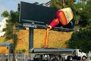 Toca Comer.  Espectacular publicidad exterior. Marisol Collazos Soto, Rafael Barzanallana