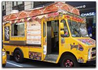 Toca Comer. Camioneta que vende alimentos desi en Nueva York. Marisol collazos Soto
