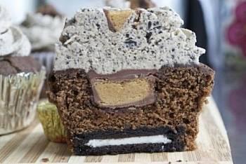 Toca Comer.   Cupcake de crema de cacahuete y Oreo. Marisol Collazos Soto, Rafael Barzanallana