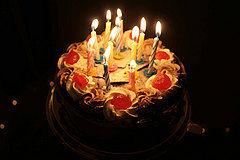 Toca Comer. El origen de las velas en la tarta de cumpleaños. Marisol Collazos Soto, Rafael Barzanallana